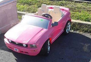 Lot# 4 - Barbie Power Wheels Mustang, in