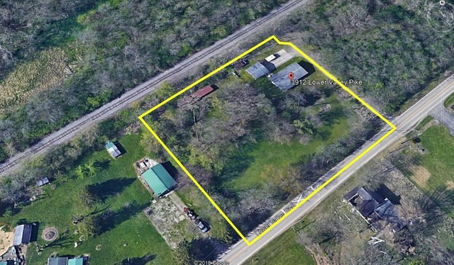 1.5 ACRES WITH 4 BEDROOMS & 2 BATHS