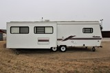 1997 COACHMEN ROYAL 33' TRAVEL TRAILER