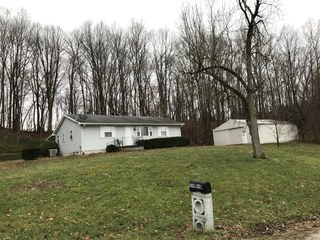 GIBSON COUNTY HOME ON 9.3 WOODED ACRES