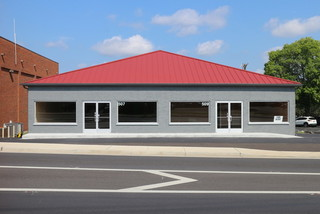 2 Floors of Commercial Space: 4800 +/- SF Retail / Office in Central Murfreesboro