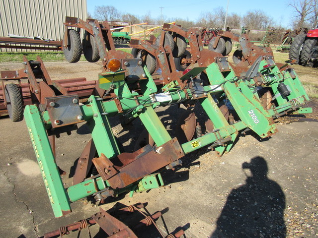 Spring Garland City Equipment Auction - Nutt Auction Company