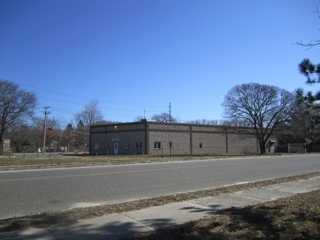 8,000+ SQ FT INDUSTRIAL BUILDING - PRIME LOCATION