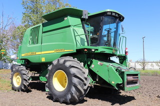 JD 9650 CTS (Seller says she's field ready)