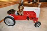 COLLECTOR TRACTOR & COLLECTIBLE AUCTION FOR LOWELL & MARLENE KLINEPIER ESTATE