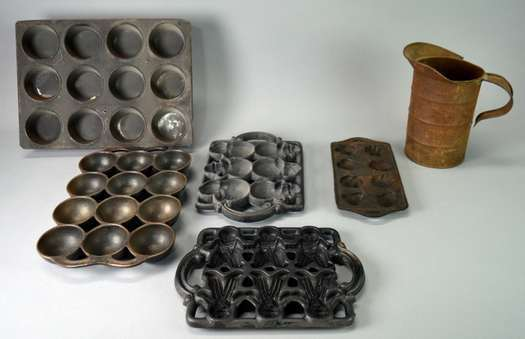 Large Auction Antiques Collectibles Tools Furniture