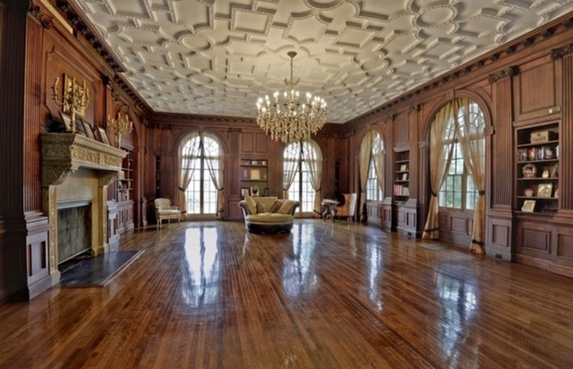 COMPLETE CONTENTS 14 BEDROOM/15 BATHROOM GOLD COAST MUTTONTOWN MANSION