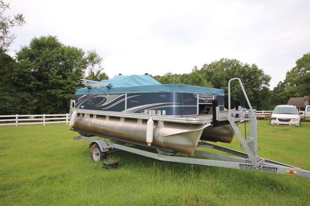 2017 Quest Adventure Pontoon Boat: