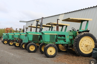 JD 4020 and JD 4010 tractors PS