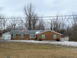 REAL ESTATE AUCTION-3 BEDROOM BRICK RANCH