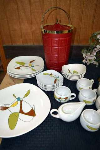 Large Auction Antiques Collectibles Furniture And Much