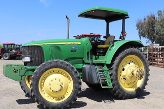 JD 7220 Tractor MFWD