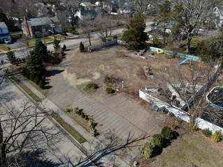 19,500 SQ FT RESIDENTIAL LOT