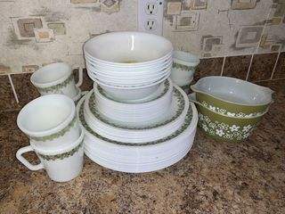 Pyrex, Corningware & Other Collectibles