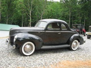1940 Ford 2-door Coupe:V8