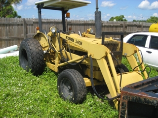 Ford Industrial 340B Tractor w/Loader
