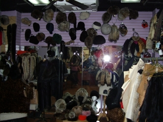 FUR COATS, JACKETS, HATS, PELTS & MORE