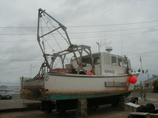 35' COMMERCIAL FISHING BOAT