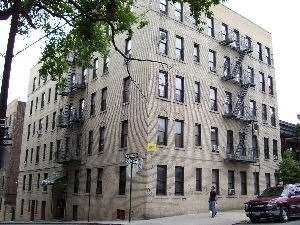 26 UNIT APARTMENT BUILDING
