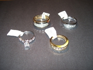 LARGE ASSORTMENT OF JEWELRY