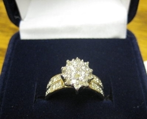 ASSORTED JEWELRY, GIFTWARE & COLLECTIBLES