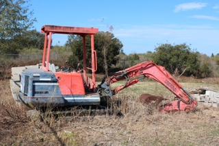 Kubota Mini-Excavator: She runs well!  We started this machine up and drove her around the yard.  Everything seems to be in good working order!  Selling to the last & highest bidder.