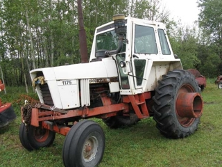 Case 1175 Tractor:
