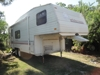 1993 FLEETWOOD WILDERNESS 25FT 5TH WHEEL TRAILER, GAS/ELECTRIC, REFRIDGE, STOVE, OUTSIDE AWNING: