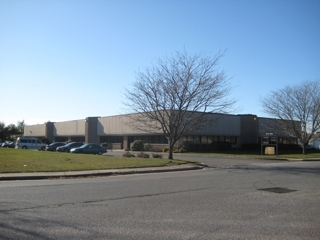28,000 SQ FT MULTI-TENANT INDUSTRIAL/OFFICE BUILDING