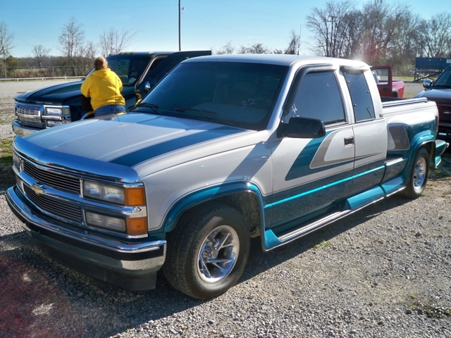 Lot 32 95 Chevy 1500 X Cab Show Truck