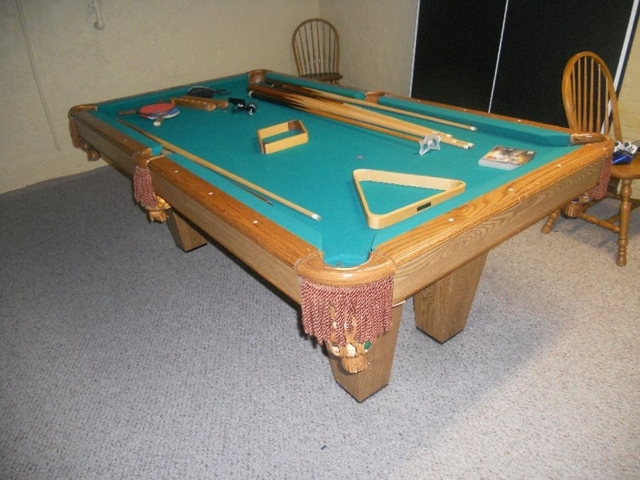 CAMBRAY MOVING AUCTION Higgins Auctions - Brunswick oak pool table