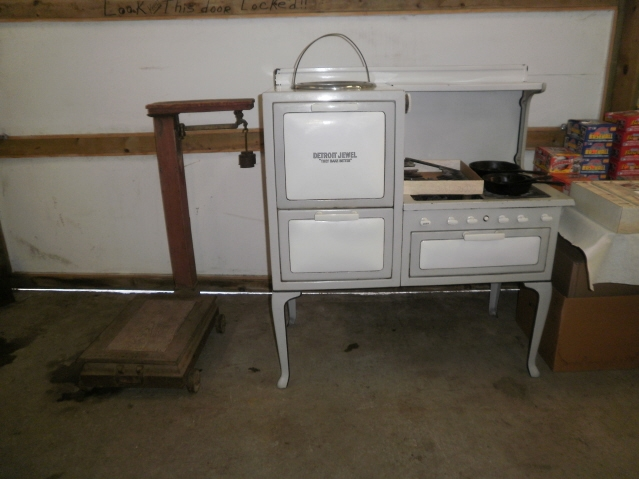 Antique Stoves - Antique and Classic, Vintage Stoves, Repairs, and