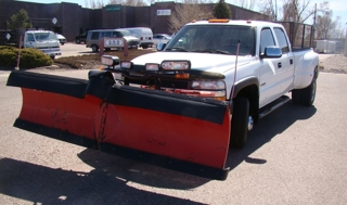 2001 Chevrolet Silverado LS 3500 1 ton 4x4 crew cab pickup with The Boss RT-3 Power V snow plow