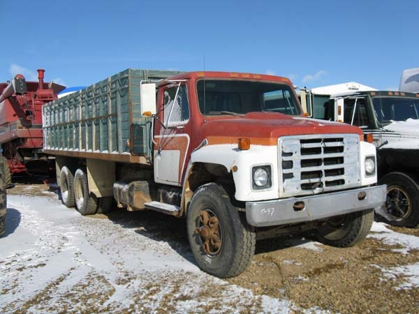 C60 grain truck http www certifiedrealestateauctions com auction