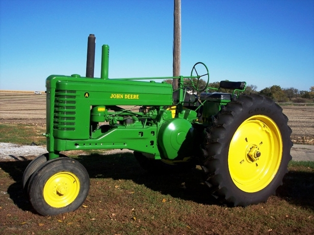 John Deere B Fenders : Midwest classic vintage tractor and farm equipment auction