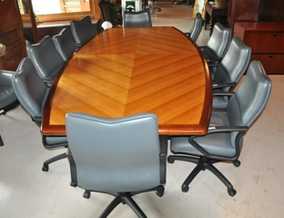 Office Furniture Auction U2013 Desks, Chairs, Credenzas, Conference Table And  More