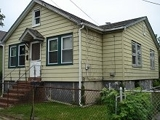 Single Family Home - Levittown, NY