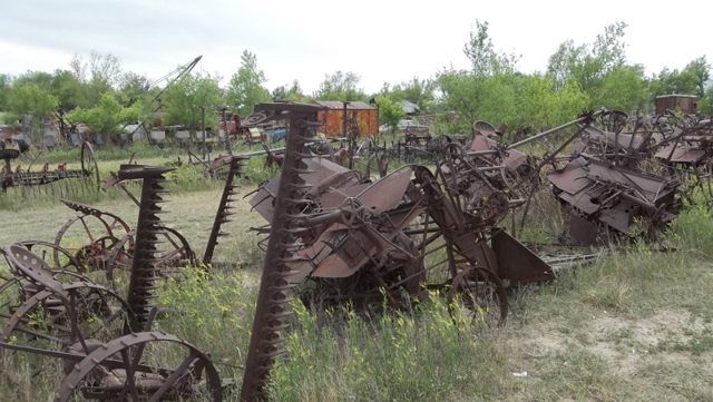 Antique Farm Equipment Vehicles And Salvage Theurer Auction
