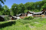 7,300+ SQ FT COUNTRY RETREAT ON 5 ACRES