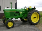LARGE JOHN DEERE COMPLETLEY RESTORED COLLECTOR TRACTOR AUCTION FROM THE RAY VESELY COLLECTION