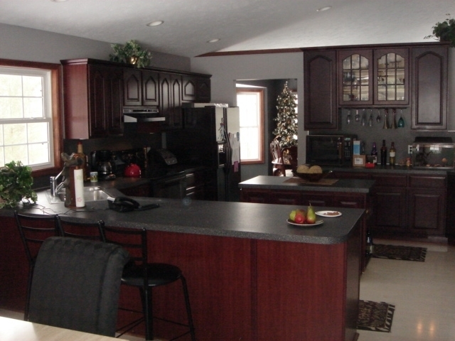Hollands woodworking auction ontario canada for Cherry mahogany kitchen cabinets