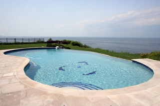 3,500 SQ FT HOME ON BLUFF W/ 180 DEGREE WATER VIEWS
