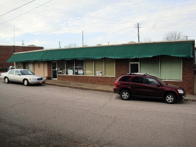 Absolute Auction of 6,347±SF Commercial Office/ Retail Bldg in Somerville, TN