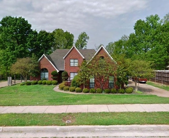 Absolute Auction of 2,420± SF Home in Arlington, TN