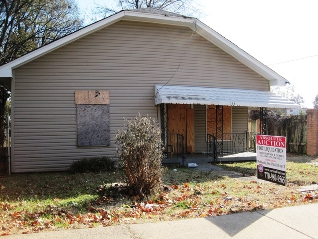 Absolute Auction of 1,090± SF Lipford St Home in Memphis, TN
