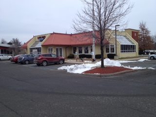 AUCTION! Former Restaurant Building in High Traffic Area!!