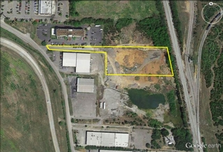 2.5 AC heavy industrial lot on I-24 frontage Road