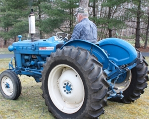 1964-65  Ford 2000 Tractor