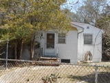 3 BR HOME ONLY 1.5 BLOCKS FROM WATER