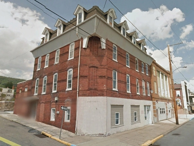 Auction of Lender Owned 8 Unit 4 Story Apt Bldg Zoned Commercial in Williamstown, PA